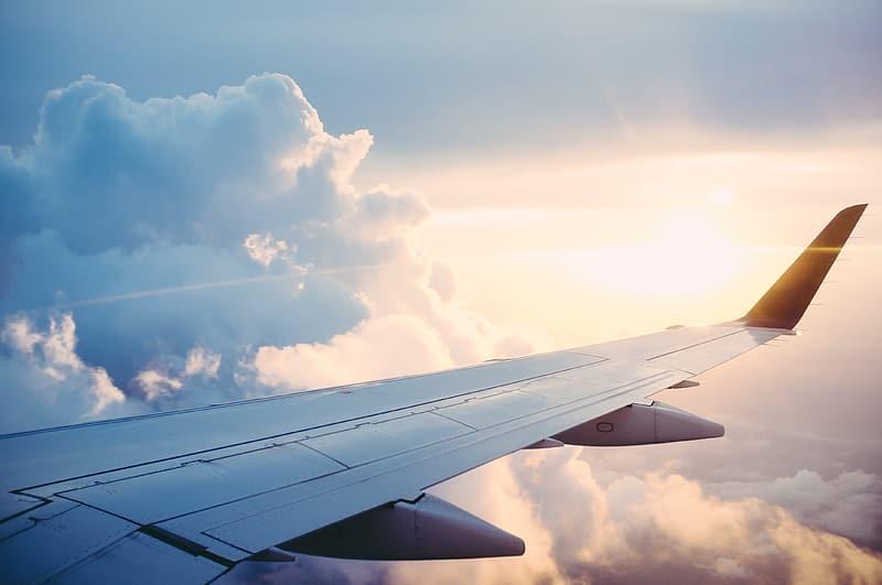 Ποιες αεροπορικές ξεκινούν πτήσεις από και προς Ελλάδα (in.gr)