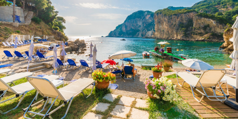 TUI: Η Ελλάδα δημοφιλέστερος προορισμός -Επέκταση της τουριστικής περιόδου μέχρι Νοέμβριο (iefimerida.gr)